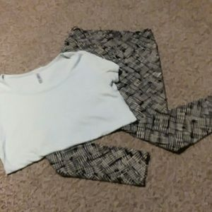 LuLaRoe top and leggings